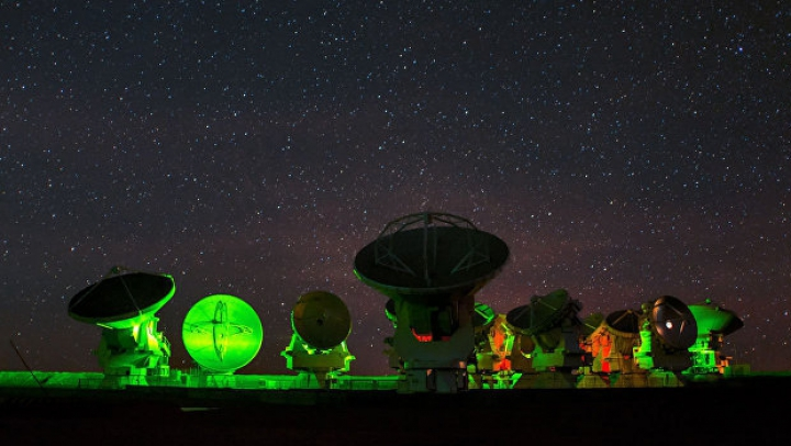 Астрономы создали телескоп размером с Землю для изучения черных дыр