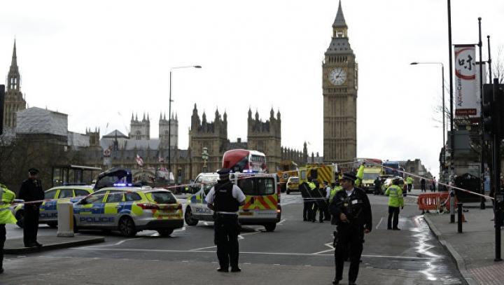 Британской полиции разрешили стрелять в водителей-террористов
