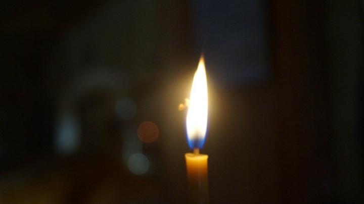 На Украине прихожанин выбил дверь в храм, чтобы зайти и поставить свечку