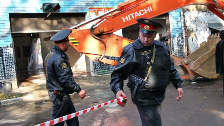 В Иркутске во время субботника случайно нашли взрывчатку в подвале дома