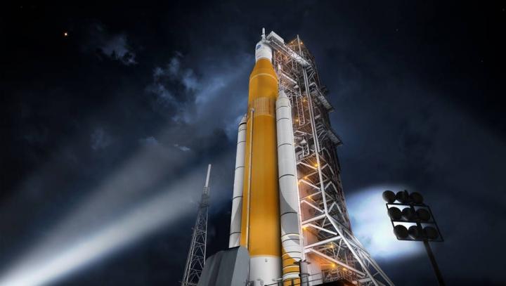 НАСА отложит первый запуск сверхтяжелой ракеты