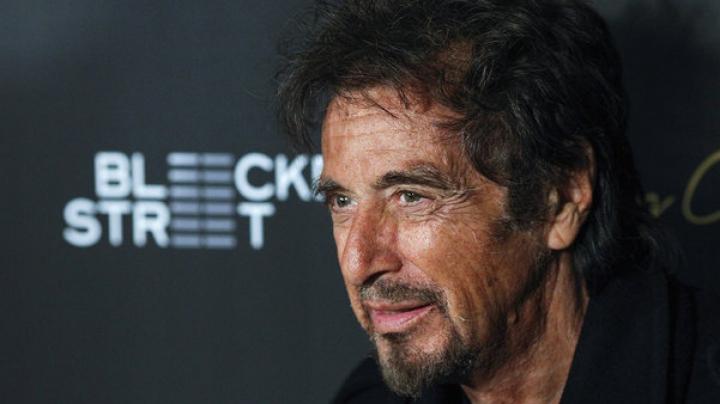 77-летний Аль Пачино завязал роман с актрисой вдвое моложе его