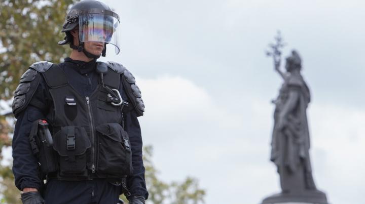 Кандидатов в президенты Франции предупредили о возможной угрозе терактов