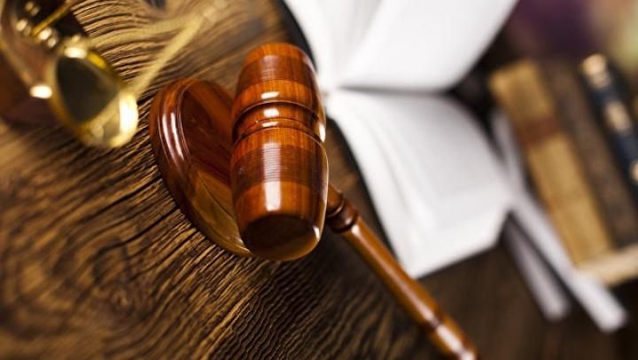 В Днепре пьяная судья избила сына подруги и выгнала полуголым на улицу