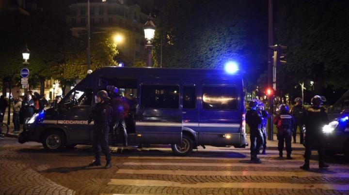 Во время перестрелки в Париже пострадала женщина