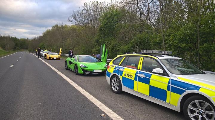 В Великобритании полицейские конфисковали три суперкара за антисоциальное вождение