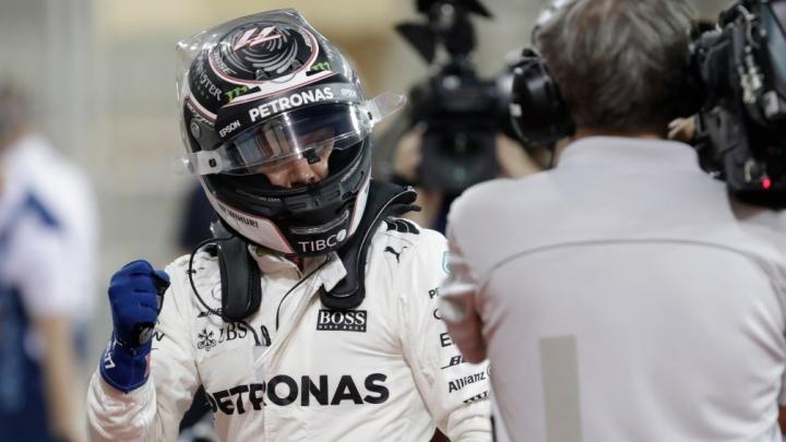 """Пилот Mercedes Боттас впервые в карьере выиграл квалификацию """"Формулы-1"""""""