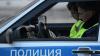 Спящие автоинспекторы попали на видео активистов, фиксирующих нарушителей ПДД