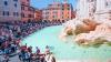 Туристам могут запретить останавливаться у фонтана Треви в Риме