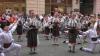 В Черновцах состоялся парад национальной румынской одежды