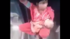 Мать с грудным ребёнком проехала на скреплении между вагонами, чтобы не платить