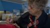 98-летняя бабушка написала 7 тысяч писем для солдат, которых не знает, но любит