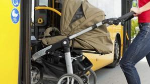 В Новосибирске автобус проехал 100 метров с зажатой в дверях коляской с ребенком