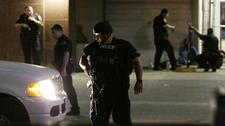 Преступник ранил пожарного, открыв стрельбу в Далласе