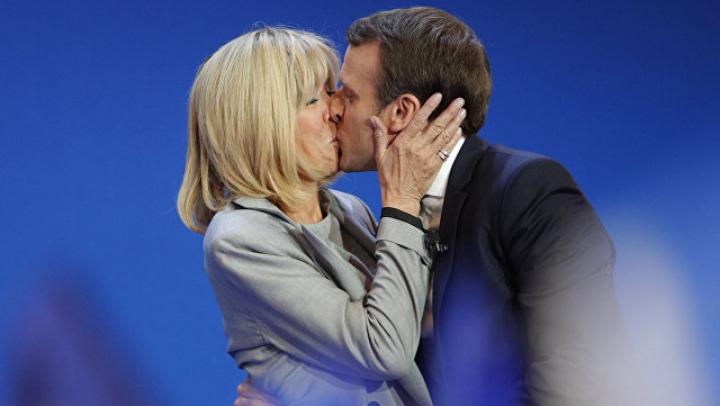 Карла Бруни в откровенном интервью поздравила и поддержала новую первую леди Франции