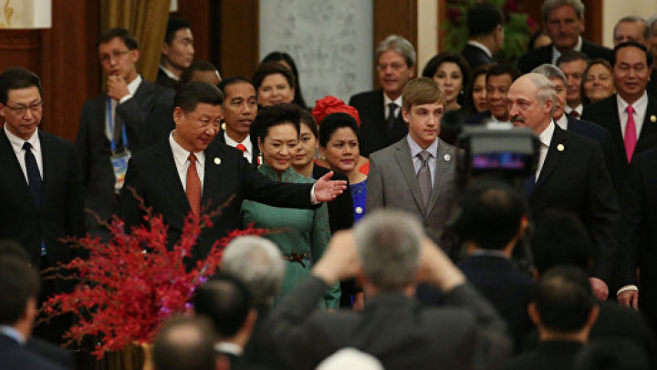 Лукашенко взял 12-летнего сына на форум в Китай