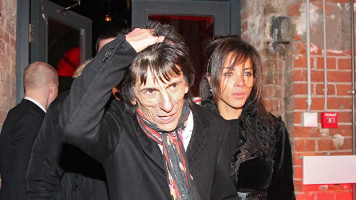Гитарист The Rolling Stones перенес операцию на легком