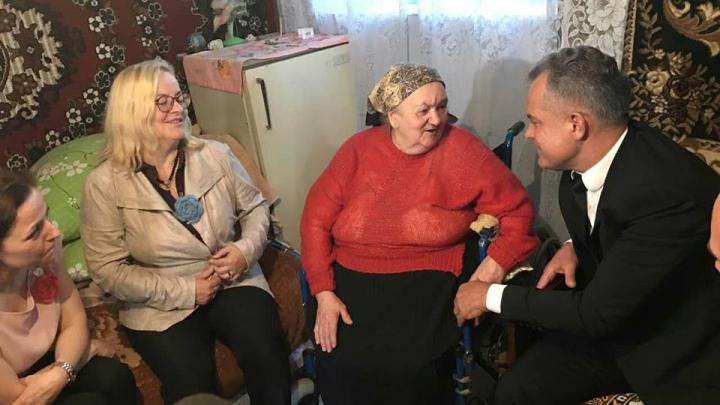 Забота о пожилых в доме престарелых гомер симпсон в доме престарелых