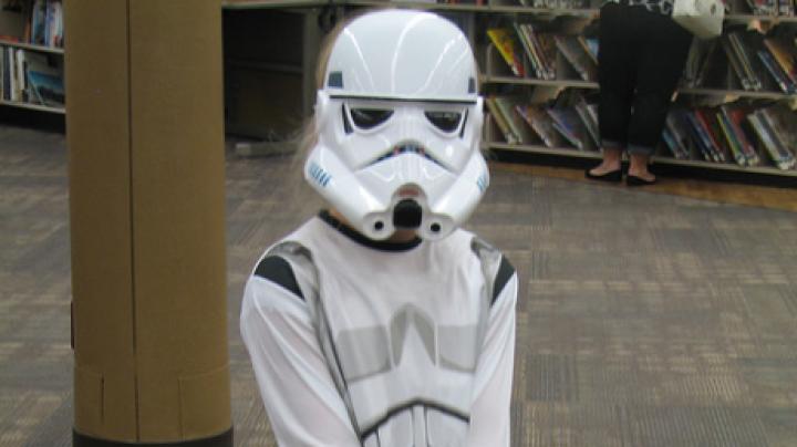 """В США из-за одетого в костюм героя из """"Звёздных войн"""" ученика эвакуировали школу"""