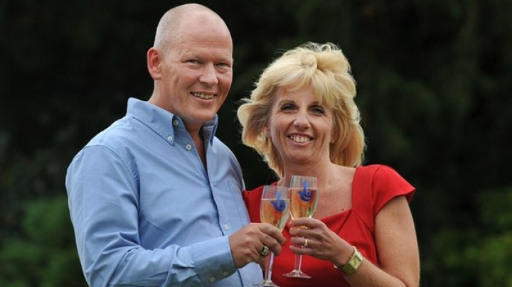 Сын потратил 1 млн фунтов и подал в суд на родителей, чтобы они его обеспечивали