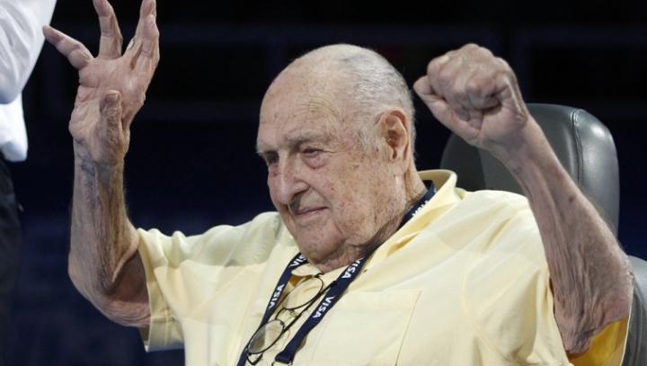 Умер старейший олимпийский чемпион из США