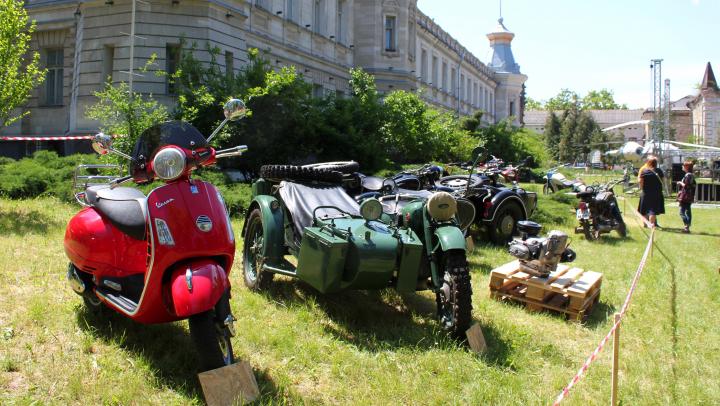 Занимательная выставка ретро-автомобилей открылась в Историческом музее