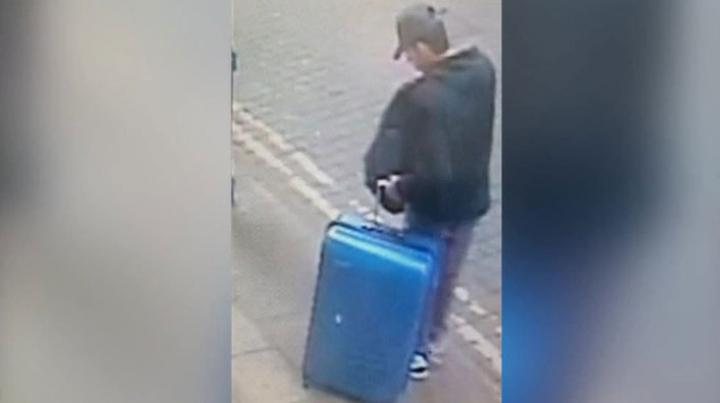 Полиция Манчестера ищет чемодан обвиняемого в теракте