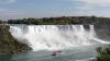 Грузовик с химикатами перевернулся недалеко от Ниагарского водопада