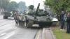 В Сети появилось видео с танком, протаранившим столб в Минске
