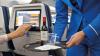 Пассажирку связали скотчем за пьяный дебош в самолете