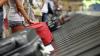 Американку разгневал работник аэропорта, снявший фото с ее омаром из багажа
