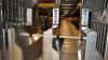 Два вагона сошли с рельсов в метро Нью-Йорка