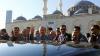 Эрдоган потерял сознание во время молитвы в мечети