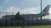 Китайский самолет экстренно приземлился из-за дыры в турбине