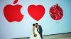 Молодожёны из Сингапура организовали фотосессию в магазине Apple