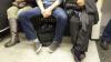В Мадриде мужчинам запретили широко раздвигать ноги в общественном транспорте