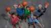 Команда Dude Perfect представила новые трюки с американским мячом