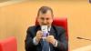 Пытавшийся сделать селфи грузинский политик умилил пользователей сети