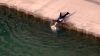 Полицейский спас собаку, которая упала с пирса, пытаясь попить
