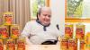 Мужчина 30 лет питался только консервами из страха перед новой пищей