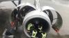 Китаянку, которая кидала монеты в двигатель самолета, не накажут