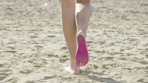 Разработано приспособление для ходьбы по раскаленному пляжу