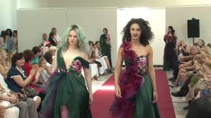 Выпускники художественного факультета Педуниверситета провели Парад моды
