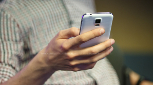 Жители Молдовы предпочитают для переговоров и переписки мобильные телефоны