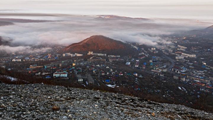 Три вулкана на Камчатке выбросили столбы пепла