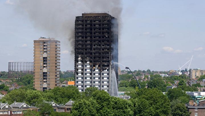 Полиция: 58 человек пропали без вести при пожаре в многоэтажном доме в Лондоне