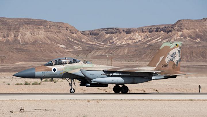 Источник: ВВС Израиля ударили в Сирии по технике боевиков