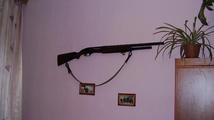 В Турции ружье, висевшее на стене, выстрелило в шею своей хозяйке