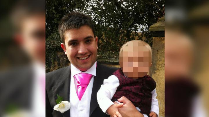 27-летний отец умер от рака после того, как врачи 4 года водили его за нос