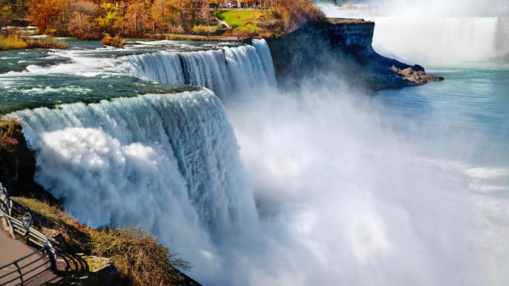 Выживший после прыжка в Ниагарский водопад мужчина погиб при второй попытке